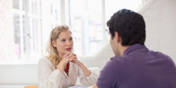 Защо Добрите Мъже се Страхуват да Говорят
